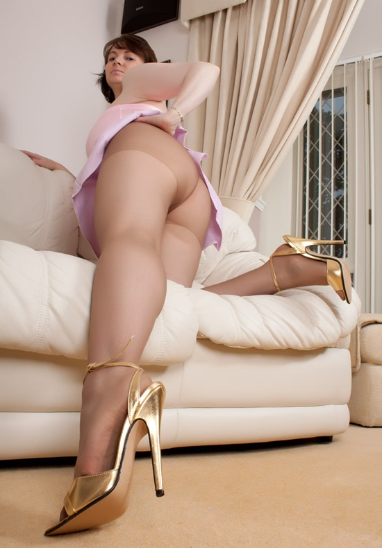 mysexylegs christine in pink2